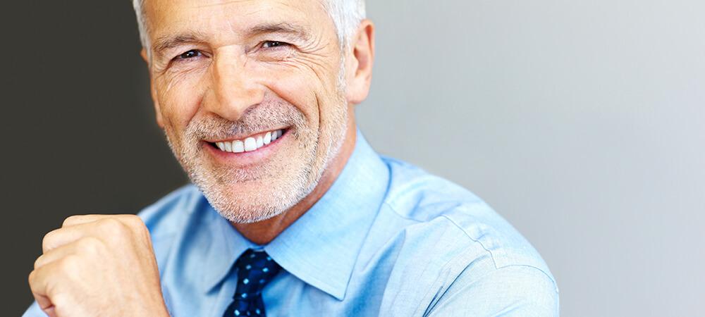 Hombre Sonriendo - Fondos Mutuos - Cartera Libre